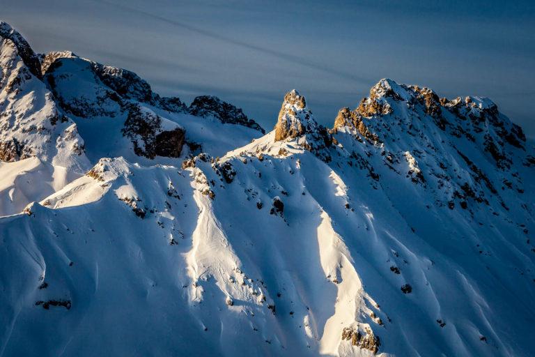 Alpe di Tires Siusi Dolomiti Val Gardena montagne Alto Adige vette inverno neve vista aerea