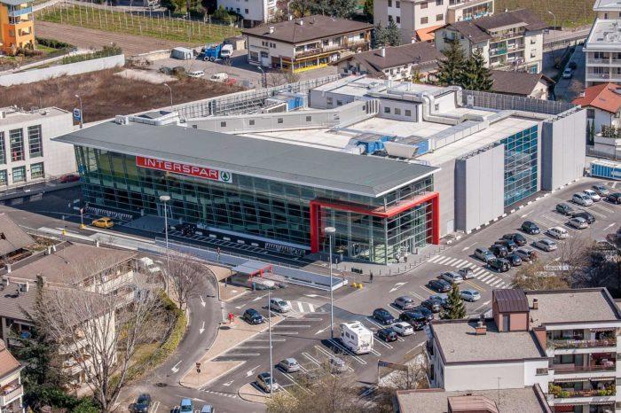 Interspar Aspiag Meran Despar Einkaufszentrum Shopping Südtirol Architektur Luftaufnahme