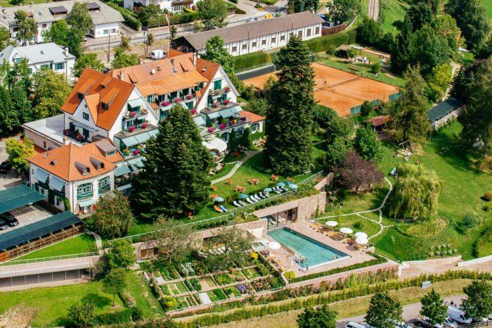 Ritten Oberbozen historisches Familien Hotel Holzner Südtirol Architektur Wellness Kultur