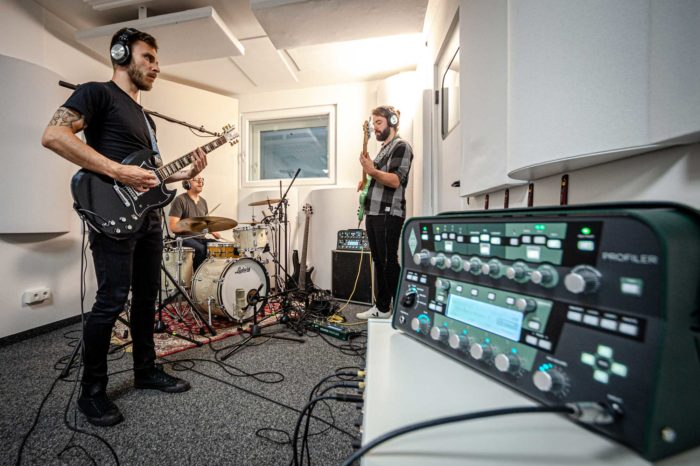 Tonstube Audio Production Tonstudio Aufnahmestudio Albumproduktion Musik Recording Albumproduktion Equipment Kemper Profiler Filmmusik Oberbozen Ritten Südtirol Bozen