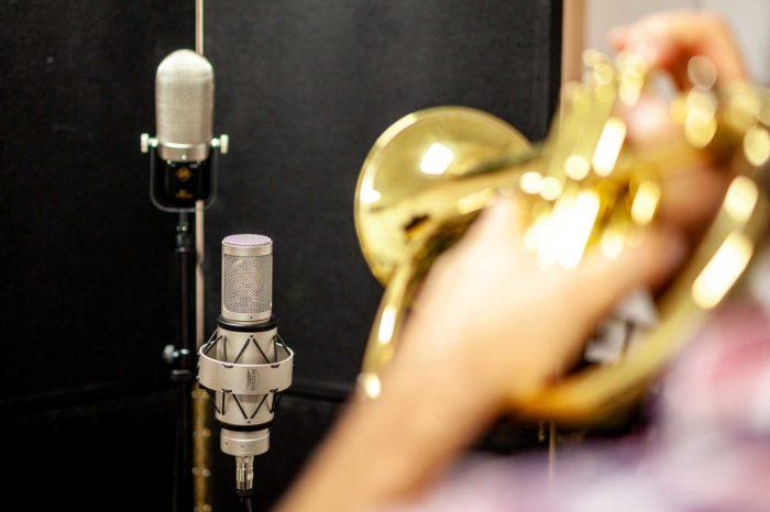 Tonstube Audio Production Tonstudio Aufnahmestudio AlbumproduktionMusik-Recording Albumproduktion Gesang Filmmusik Oberbozen Ritten Suedtirol Bozen