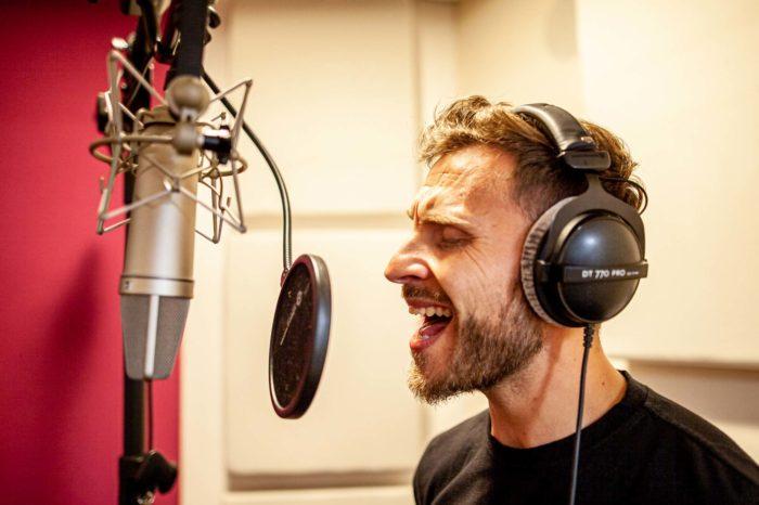 Tonstube Audio Production Tonstudio Aufnahmestudio Voicerecording-Live-Remote-Recording-Albumproduktion Gesang Filmmusik Oberbozen Ritten Südtirol Bozen